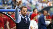 Coupe du Monde 2018 - Suède/Angleterre : Gareth Southgate, le coach anglais, prend un bain de foule pendant la mi-temps !