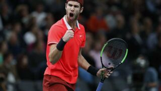Tennis : Qui est Karen Khachanov, le vainqueur surprise du Rolex Paris Masters ? (VIDEO)