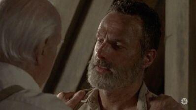 The Walking Dead : Rick aurait dû quitter la série bien avant l'épisode 5 de la saison 9