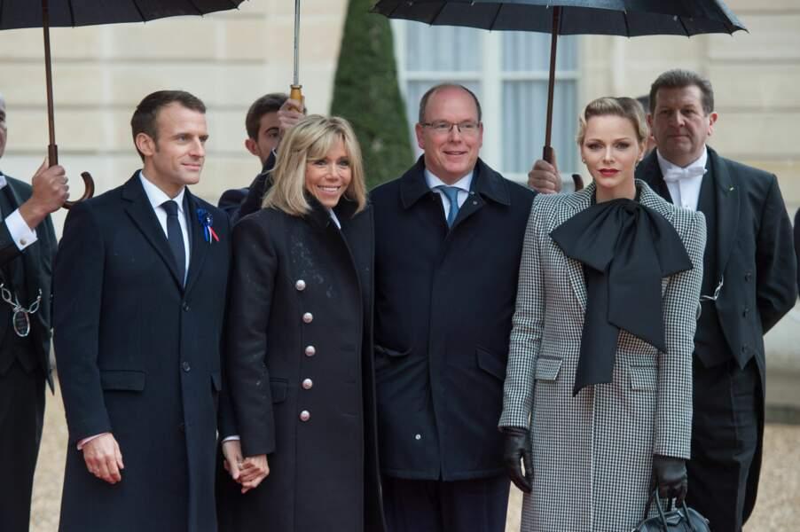 Deux salles, deux ambiances entre le prince Albert et Charlène de Monaco