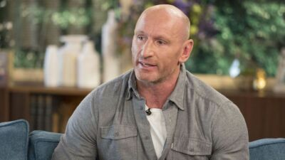 L'ancien rugbyman Gareth Thomas victime d'une agression homophobe (VIDEO)
