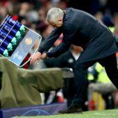 Ligue des Champions : l'incroyable pétage de plombs de José Mourinho lors de la victoire de Manchester United (VIDEO)
