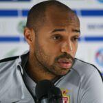Et le respect... ? Quand Thierry Henry offre une scène lunaire en conférence de presse (VIDEO)