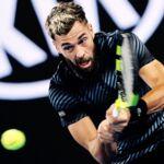 Open d'Australie : en plein match, Benoît Paire réalise un geste technique étonnant... qui rendrait jaloux Olivier Giroud ! (VIDEO)