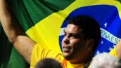 Ronaldo pose avec ses filles jumelles et leur ressemblance est assez troublante (PHOTO)