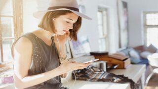 5 podcasts à écouter lorsqu'on aime la mode
