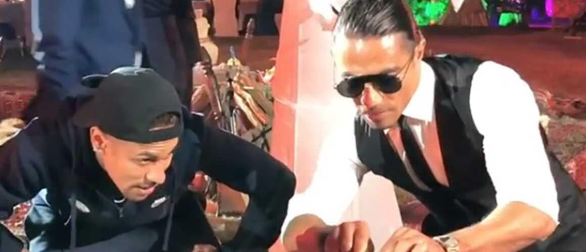 Insolite : Salt Bae a failli étouffer Neymar avec un trop gros morceau de viande (VIDEO)