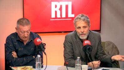 """Stéphane Guillon regrette amèrement """"trois portraits ratés"""" et à charge contre des artistes aujourd'hui disparus (VIDEO)"""