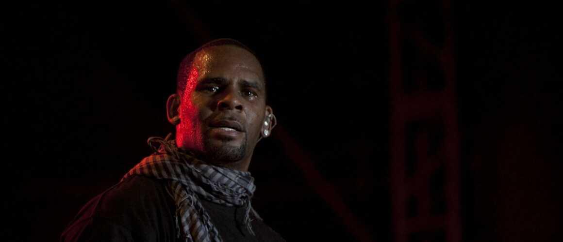 R. Kelly : après le boycott de Lady Gaga et de Céline Dion, le chanteur est lâché par sa maison de disques