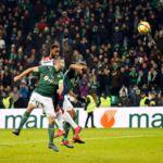 Ligue 1 : Moussa Dembélé et Lyon font tomber Saint-Étienne à la dernière seconde d'un derby exceptionnel (REVUE DE TWEETS)