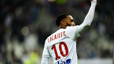 ASSE-OL : l'ancien Lyonnais Lacazette taquine un coéquipier ex-Stéphanois sur Twitter, les gendarmes s'en mêlent...