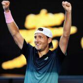 Open d'Australie : les larmes de la fiancée de Lucas Pouille après sa qualification en demi-finale (VIDEO)