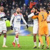 Ligue 1 : Lyon fait tomber le PSG pour la première fois de la saison ! (REVUE DE TWEETS)