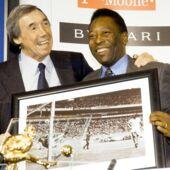 """Football : Pelé rend un hommage touchant à son """"ami"""" Gordon Banks"""