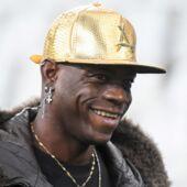 Mario Balotelli se moque de la défaite de Manchester contre le PSG