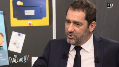 Au Tableau ! (C8) : Christophe Castaner se confie sur ses relations difficiles avec son père et la fin tragique de ce dernier (VIDEO)