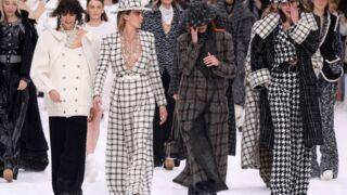 Défilé Chanel : des larmes et une émouvante standing ovation à Karl Lagerfeld (PHOTOS)