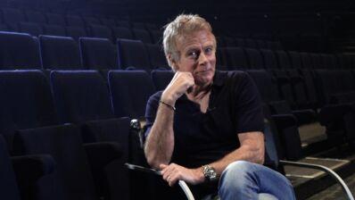 Franck Dubosc : son spectacle Fifty/Fifty, son prime sur C8, sa vie de famille, ses doutes... Il se confie sans filtre ! (VIDEO)