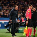 L'entraîneur du PSG a piqué une énorme colère contre Laurent Paganelli : voici la raison ! (VIDEO)
