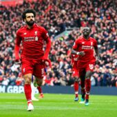 Premier League : Liverpool bat Chelsea pour garder la tête du championnat (VIDEO)