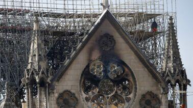 Incendie de Notre-Dame de Paris : l'ouverture émouvante de 20h30 le dimanche (VIDEO)