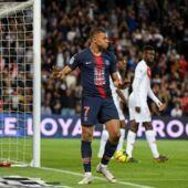 Maillots, clip, tifo : les nombreux hommages à Notre-Dame et aux pompiers de Paris lors de PSG-Monaco (TWEETS)