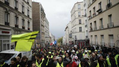 """""""Nous ne sommes pas dupes"""" : une tribune signée par des dizaines d'artistes en soutien aux Gilets jaunes"""