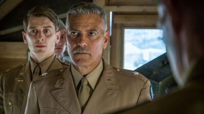 Catch-22 (myCANAL) : mais c'est quoi cette série produite et réalisée par George Clooney ? (VIDEO)