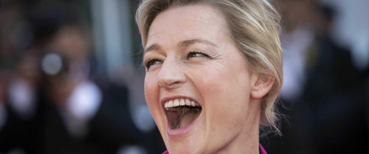 Cannes 2019 : Anne-Elisabeth Lemoine a osé un look très coloré pour la dernière montée des marches (PHOTOS)