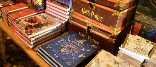 Harry Potter Quatre Nouveaux Livres Sur Les Cours De Magie