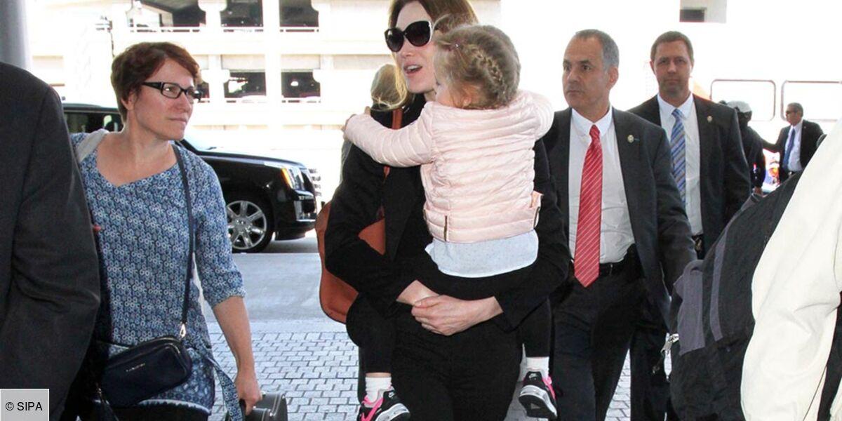 Carla Bruni Sarkozy Attendrit Les Internautes Grace A Sa Fille Giulia Video
