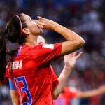 """Coupe du monde féminine de football 2019 : """"Les hommes attrapent leur sexe, donc à côté, boire une tasse de thé""""... la star des USA Alex Morgan se défend après les critiques contre sa célébration"""