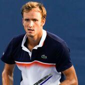 Cincinnati : Daniil Medvedev renverse Novak Djokovic et file en finale ! (VIDEO)