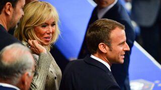 Emmanuel Macron enlace tendrement Brigitte Macron : leur rare cliché romantique (PHOTO)