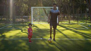 """Raphaël Varane se dévoile dans un documentaire d'Amazon Prime : """"C'est un héritage pour mon fils"""""""