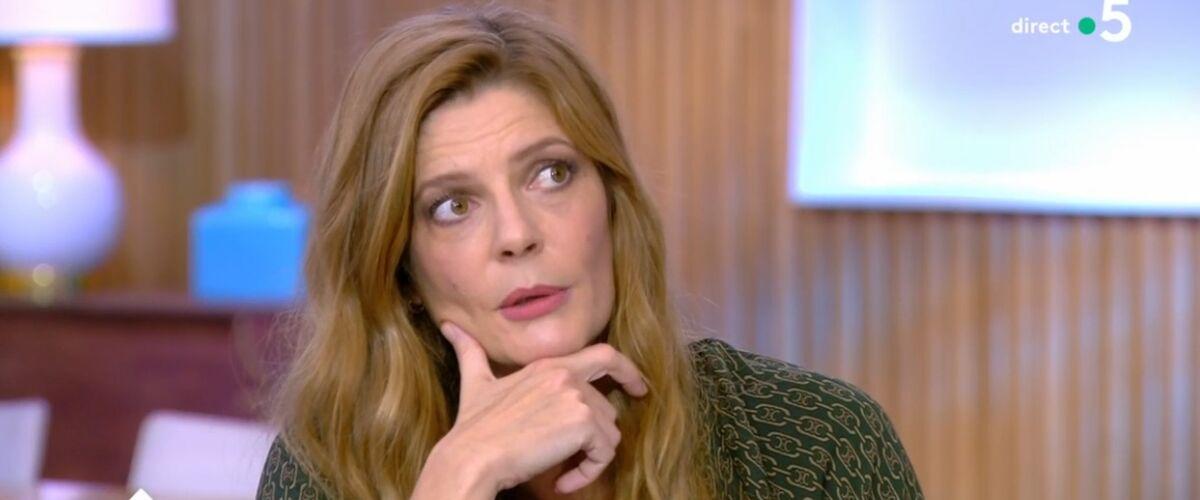 """C à vous : Chiara Mastroianni évoque ses relations avec Catherine Deneuve, """"je ne crains pas ma mère"""" (VIDEO)"""