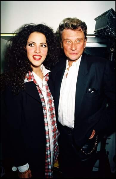 En 1995, elle vit une brève idylle avec Johnny Hallyday