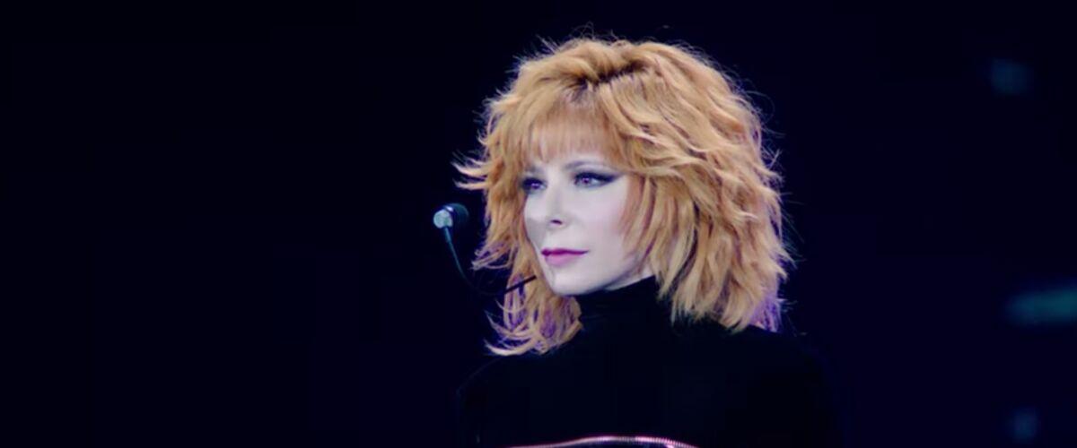 Mylène Farmer : la chanteuse dévoile le live de M'efffondre (VIDEO)