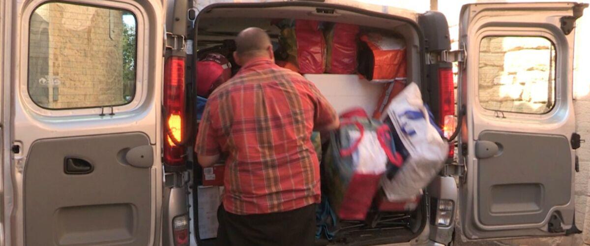 Exclu. Familles extraordinaires (6Ter) : ce père de 7 enfants galère à charger ses bagages dans son coffre ava