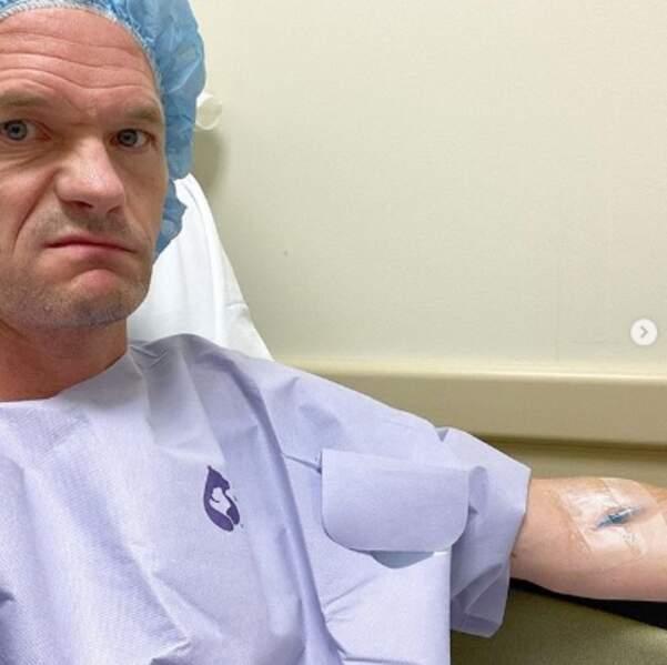 Et on souhaite un bon rétablissement à Neil Patrick Harris, opéré à la main.