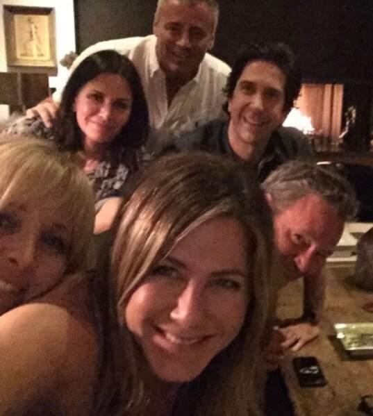 Et on commence avec le selfie qui a cassé l'Internet : Jennifer Aniston a enfin un compte !