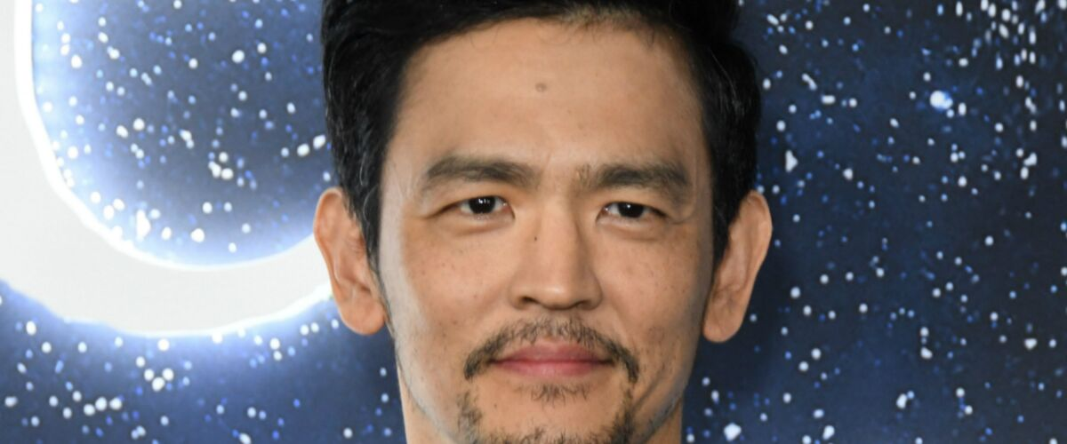 """John Cho victime d'un """"accident improbable"""", le tournage de la série Cowboy Bebop (Netflix) suspendu plusieurs"""