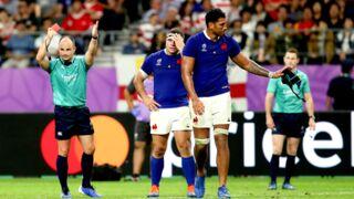 Jaco Peyper, l'arbitre de France-Pays de Galles, refait le coup de coude de Sébastien Vahaamahina avec les supporters gallois (PHOTO)