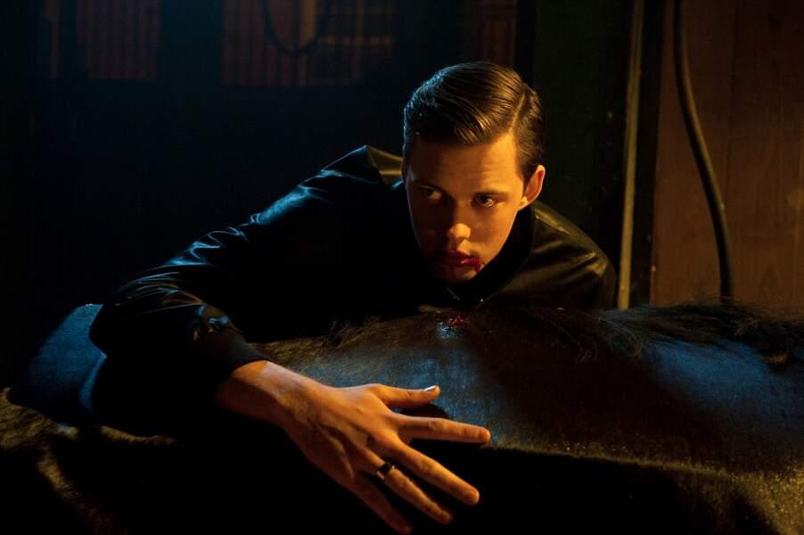 Aussi glaçant que son frère Alexander Skarsgård dans True Blood, Bill Skarsgård est terrifiant dans Hemlock Grove