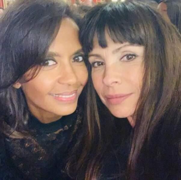 Selfie entre copines pour Karine Le Marchand et Mathilda May.