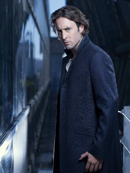 Dans Moonlight, Alex O'Loughlin a joué un vampire torturé et ténébreux