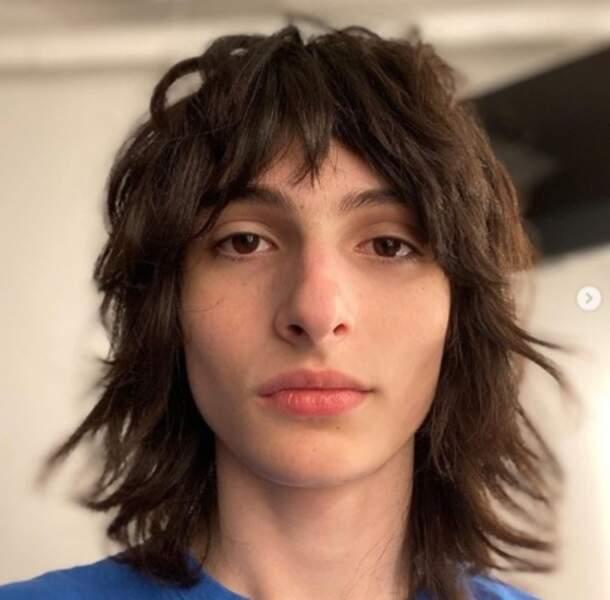 Et Finn Wolfhard aura bientôt les cheveux plus longs que nous.