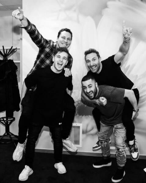 Les DJ Martin Garrix, David Guetta, Joseph Capriati et Tiësto ont joué à saute-mouton.