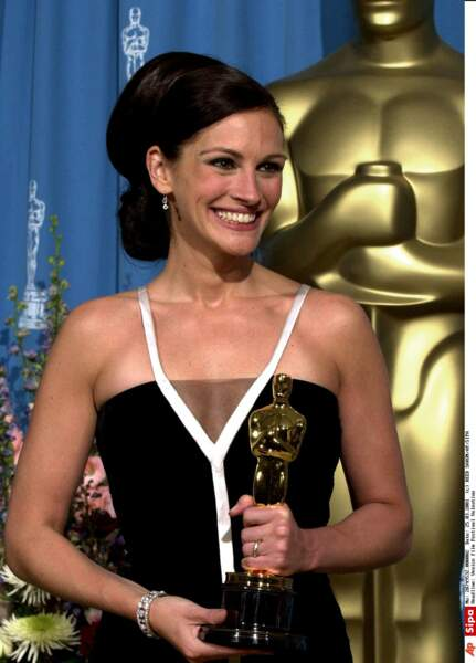 Son interprétation lui permet de gagner l'Oscar de la meilleure actrice