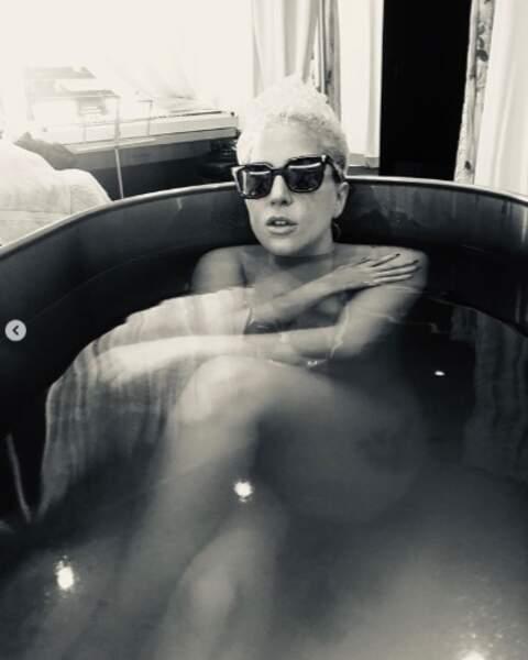 Lady Gaga est dans son Jacuzzi, vous êtes dans votre jalousie.